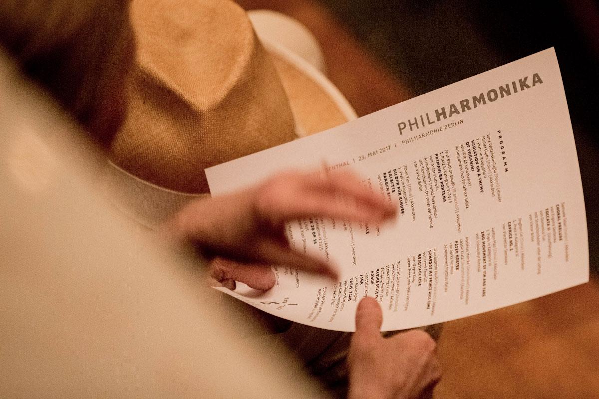 Der zweite Programmpunkt ist Primavera Portena von Astor Piazzolla.