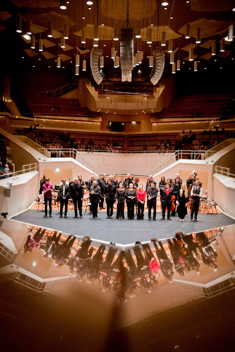 14 Solisten aus sechs Ländern begeisterten das Publikum in der Berliner Philharmonie.