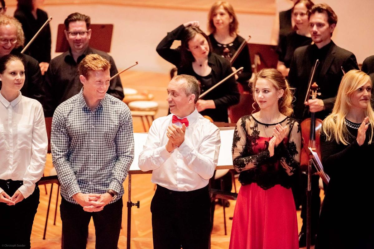 Von links nach rechts:  A. Budziňáková, G. Masefield, Y. Shishkin,  A. Kryshtaleva, L. Kratz