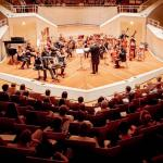 """Duo """"Accosphere"""" mit Orchester"""
