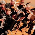 G. Masefield mit Orchester