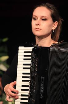 Alena Budzinakova - Akkordeon