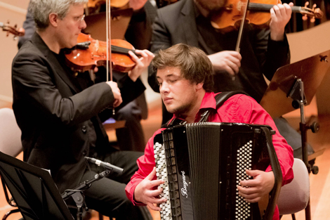Akkordeon-Solist Jean Baptiste Baudin aus Frankreich. Foto: Christoph Soeder